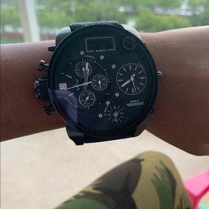 Men diesels wristwatch